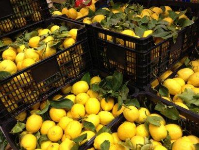 Одесскую Молдаванку засыпало…лимонами