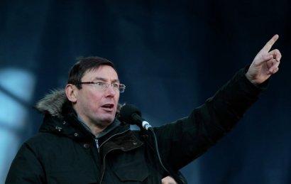 Как изменились суждения генпрокурора Луценко о свержении власти в стране