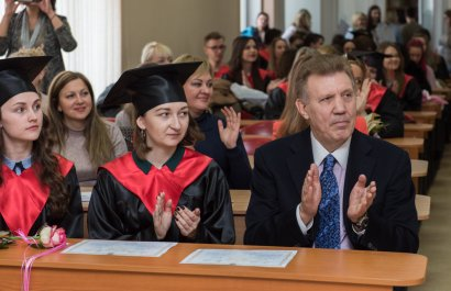 Выпускники Международного гуманитарного университета получили путёвки в жизнь