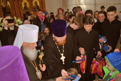 Агафангел: Мы молимся, чтобы Господь благословил Украину миром