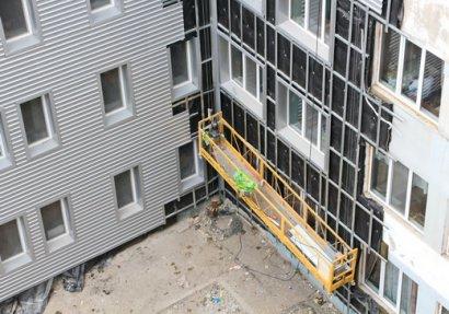 В Одессе по улице Болгарской ремонтируют медицинское учреждение