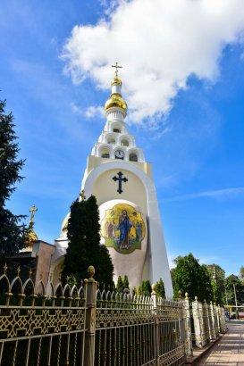 Православные верующие отмечают Проводы