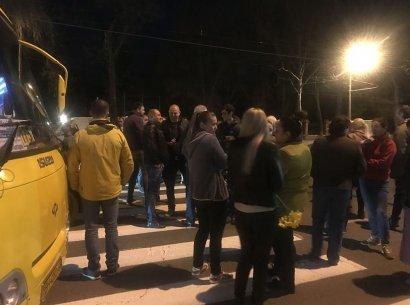 Жильцы общежития, в котором отключают свет, устроили акцию протеста
