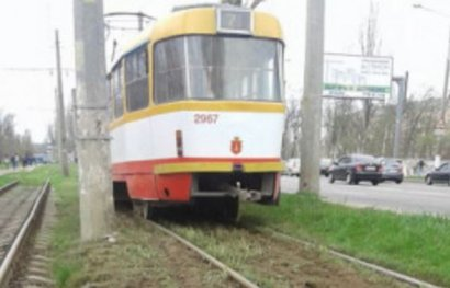 ДТП с участием трамвайного вагона произошло накануне в Лузановке