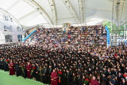 Вручение дипломов магистрам в Одесской Юракадемии