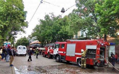 Причиной пожара в ресторане на Дерибасовской стало возгорание вытяжки