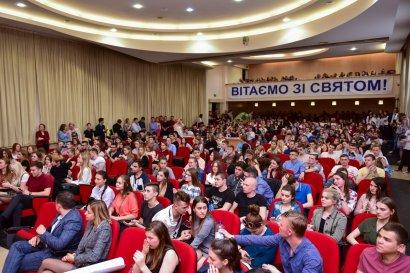 В Одесской Юракадемии прошел фестиваль КВН на Кубок президента университета