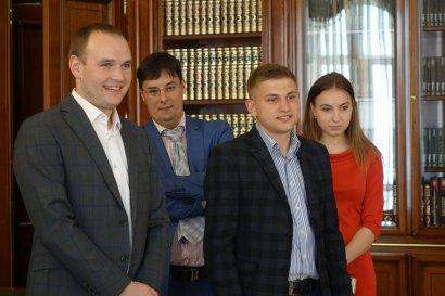 Сергей Кивалов встретился с участником «Лиги смеха», выпускником Одесской Юракадемии Юрием Степанцом