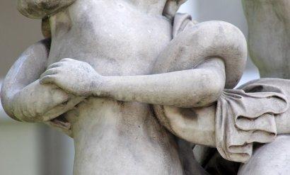 Анатомические подробности Лаокоона. Что еще можно оторвать?