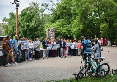Одесситы организовали акцию по спасению украинского моряка!