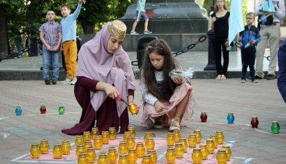 В Одессе на Соборной площади прошла акция, посвященная памяти жертв депортации крымско-татарского народа
