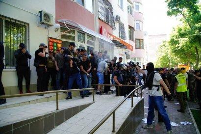 """Сегодня на 6-й станции Большого Фонтана активисты  блокировали """"Украинскую национальную блокчейн ассоциацию"""""""