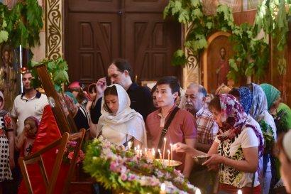 В День Святой Троицы в храмах Одессы состоялись торжественные богослужения