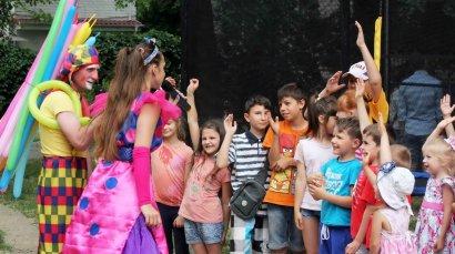 Накануне  Дня защиты детей в Одессе появилась новая детская спортивная площадка