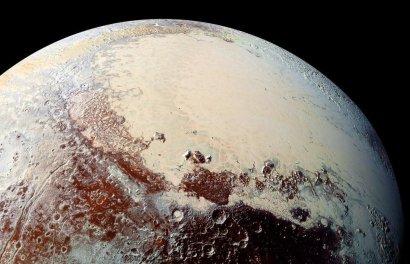 На Плутоне нашли дюны из метанового льда
