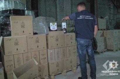 В Одесской области закрыли цех, в котором незаконно изготавливали оливковое масло, кофе и бытовую химию