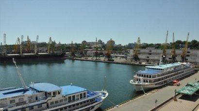 В Одесском порту пришвартовались два туристических лайнера