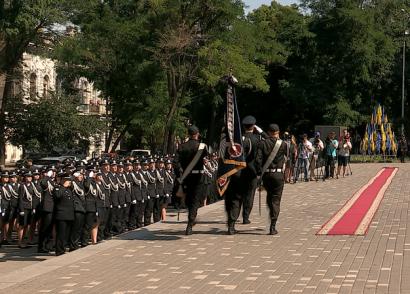 Сто выпускников одесского государственного университета внутренних дел станут полицейскими