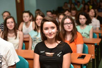 В Международном гуманитарном университете прошел выпуск Школы юного переводчика