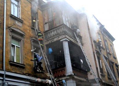 В центре Одессы горела забитая мусором трехкомнатная квартира