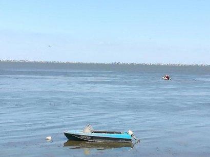В Днестровском лимане вторые сутки ищут пропавшего рыбака