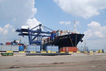 Только «белый» импорт: В Одесском порту создалась очередь из более 4 тысяч контейнеров