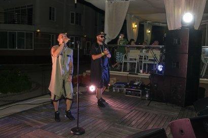 В Затоке на базе отдыха «Академия» презентовали новую группу «Two Kooms»