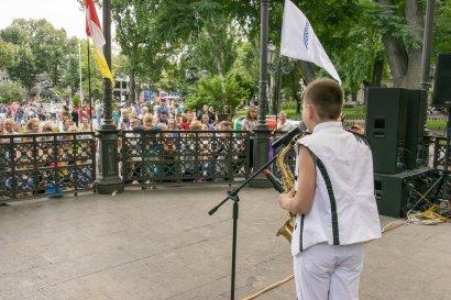 Стали известны финалисты вокального конкурса «Песни у моря»