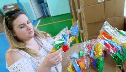 Первоклассникам из Одесской области передали 28 тысяч наборов LEGO