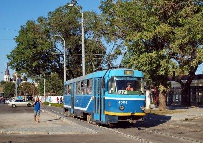 Из-за ремонтных работ в Одессе временно укоротили один из трамвайных маршрутов