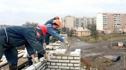 В Польше, сорвавшись с крыши, погиб украинский заробитчанин