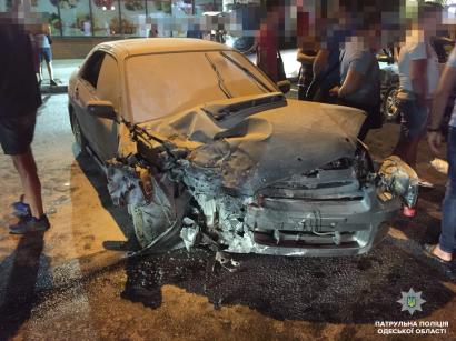 ДТП с участием трех автомобилей произошло на Фонтане