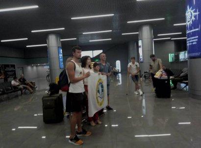 В Украину из Греции вернулись 12 моряков, находившихся в плену