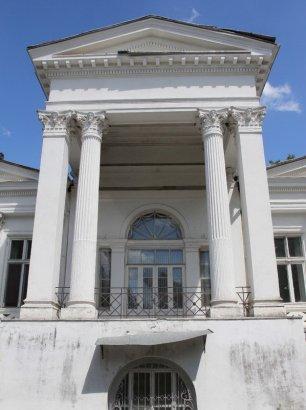 Знаменитый «Чкаловский»: тесное переплетение вчера и сегодня