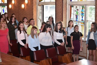 В училищах Одесской Юракадемии торжественно отметили День Знаний