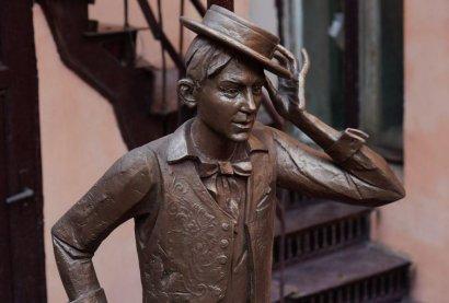 В Одессе открыли памятник молодому Утёсову