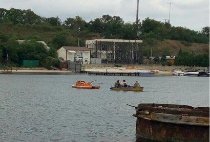 В Черноморске пожилой мужчина утонул во время рыбалки