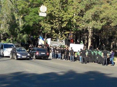 Организованное формирование людей арабской наружности прошло по улицам Одессы