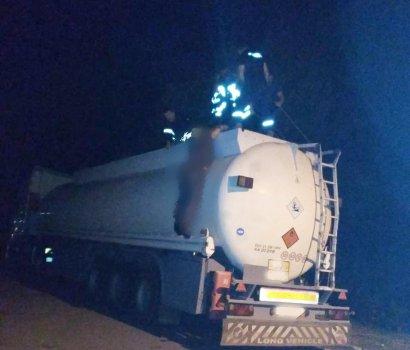 На Закарпатье водитель из Одесской области погиб в цистерне собственного бензовоза