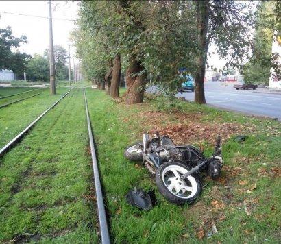 На проспекте Добровольского 25-летний мотоциклист наехал на пешехода и погиб