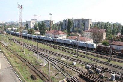 Американские тепловозы транспортировали из Черноморска на завод с помощью 25 зерновозов