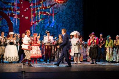 В театре Музкомедии одесситы отметили День пожилого человека и День учителя