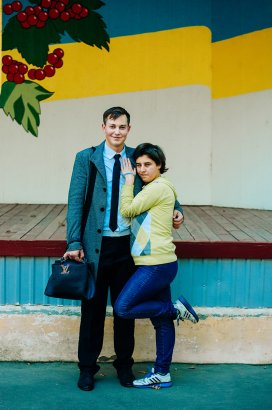 Студенты Одесской Юракадемии передали гуманитарную помощь и подарки воспитанницам дома-интерната на Макаренко, 20