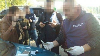 В Одесском аэропорту поймали на взятке пограничника
