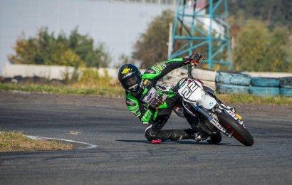 Одесский мотогонщик завершает сезон двумя золотыми медалями чемпионата Украины