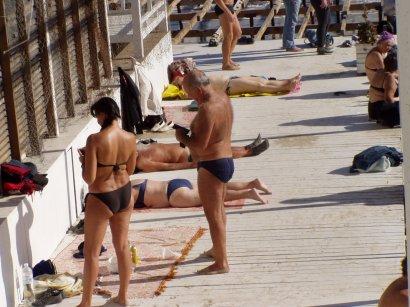 На дворе Покрова, а купальный сезон продолжается