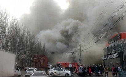 В Одессе в районе «Одескабеля» горело здание отделения «Новой почты»
