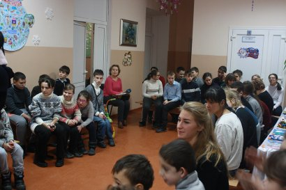 Студенты Одесской Юракадемии поздравили с наступающими праздниками воспитанников школы-интернат №  7