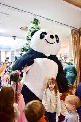 Детям из Одессы и переселенцам подарили новогоднюю сказку