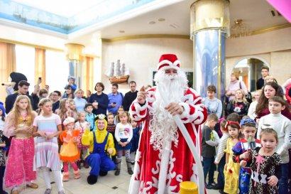 В преддверии Нового года в Одесской Юракадемии прошел утренник для более тысячи детей сотрудников вуза